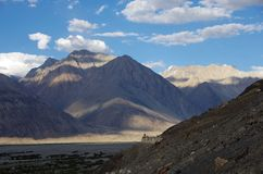 Abbellisca nella valle di Nubra in Ladakh, India fotografia stock libera da diritti