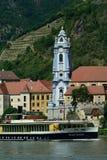 Abbey Church av Durnstein, Wachau, Österrike Arkivbilder