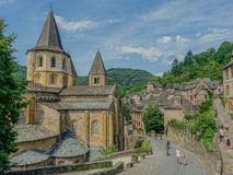 Abbey Church av helgonet Foy i Conques Royaltyfri Foto