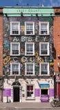 Abbey Court Hostel fasad i Dublin, Irland Arkivbild
