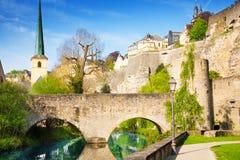 Abbey de Neumunster, Alzette-rivier in Luxemburg Stock Foto