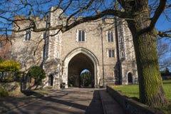 Abbey Gateway em St Albans foto de stock royalty free