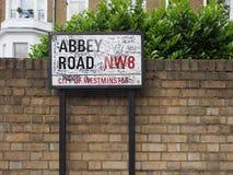Abbey Road firma adentro Londres Foto de archivo libre de regalías