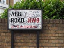 Abbey Road firma adentro Londres Fotos de archivo