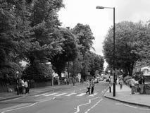 Abbey Road korsning i svartvita London Arkivbild