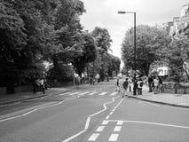 Abbey Road korsning i svartvita London Arkivfoton