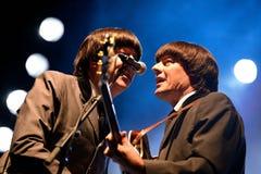 Abbey Road (musikbandhedersgåva till Beatleset) utför på den guld- nypremiärfestivalen Arkivfoto