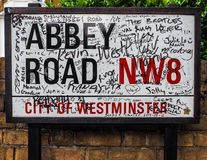 Abbey Road undertecknar in London (hdr) Royaltyfri Foto