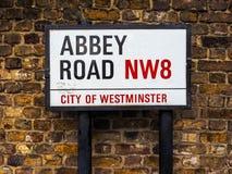 Abbey Road undertecknar in London (hdr) Arkivfoton