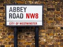 Abbey Road undertecknar in London (hdr) Arkivbilder