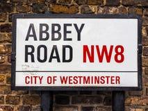 Abbey Road undertecknar in London (hdr) Royaltyfri Fotografi