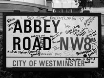Abbey Road undertecknar in svartvita London Royaltyfri Bild