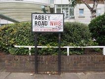 Abbey Road unterzeichnen herein London Lizenzfreie Stockfotos