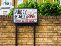 Abbey Road unterzeichnen herein London, hdr Stockbild