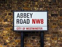 Abbey Road unterzeichnen herein London (hdr) Lizenzfreie Stockfotos