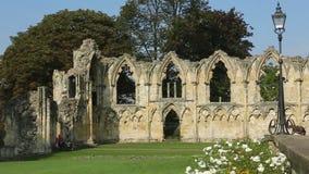 Abbey Ruins - stad av York - England lager videofilmer