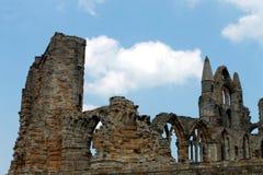 abbeyen fördärvar whitby Arkivfoto