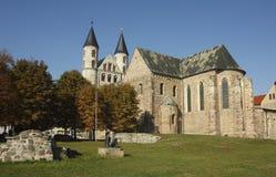 abbeymagdeburg romanesque Arkivfoton