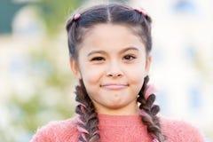 Abbia alcuni dubbi Bambino emozionale sincero Fronte emozionale della ragazza E Fronte dubbioso del bambino bello immagini stock libere da diritti