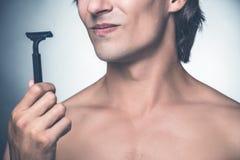Abbia bisogno di nuovo rasoio? fotografie stock libere da diritti
