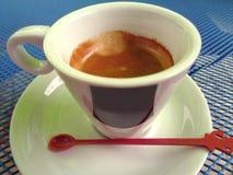 Abbia certo resto!! Una tazza di caffè espresso aromatico fotografie stock