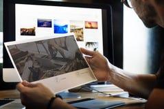 Abbia sito Web del bottone del registro di Disscusion fotografia stock libera da diritti