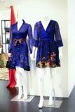 Abbigliamento casuale delle donne s su esposizione Fotografie Stock