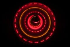 Abbildung der elektrischen Gitarre Glühendes Vinyl Freezelight auf dunklem Hintergrund oder Drehscheibe, die Vinyl mit glühenden  Stockbilder
