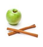 Abbildung des grünen Apfels und des Zimts Lizenzfreie Stockbilder