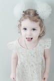 Abbildung des lächelnden kleinen Mädchens der Junge Lizenzfreie Stockbilder