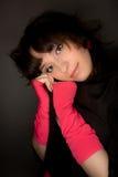 Abbildung einer jungen Frau, die zur Kamera schaut Lizenzfreie Stockbilder