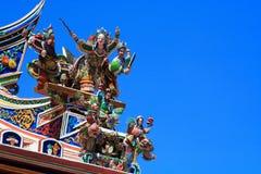 Abbildung im Dach des Buddhismus-Tempels Stockfotos