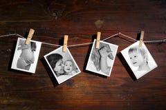 Abbildungen von einem neugeborenen und von einer Mutter Stockfotografie