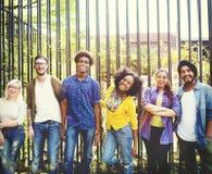 Abbinden-Gemeinschaftsfreunde Team Togetherness Unity Concept Stockfoto