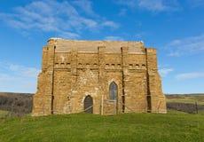Abbotsbury Dorset England UK för kapell för ` s för St Catherine kyrka överst av en kulle Arkivbilder