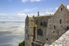 Abbotskloster av Mont-Helgon-Michel Frankrike i sommar Royaltyfria Foton