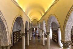 Abbotskloster av Monte Oliveto Maggiore, Tuscany, Italien Arkivfoto