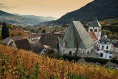 Abbotskloster av Novacella, södra tyrol, Bressanone, Italien Den vanliga kloster för Augustinian kanoner av Neustift royaltyfria bilder