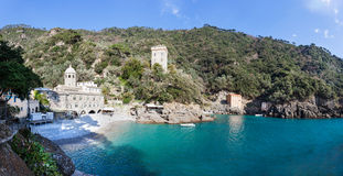 Abbotskloster av San Fruttuoso är en medeltida katolsk abbotskloster på cet Royaltyfri Foto