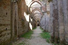 Abbotskloster av San Galgano, Tuscany, Italien Royaltyfri Foto