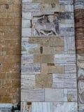 Abbotskloster av Sant ` Antimo, Montalcino, basrelief Royaltyfri Foto
