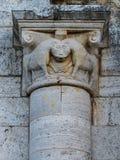 Abbotskloster av Sant& x27; Antimo Montalcino, basrelief Arkivbild