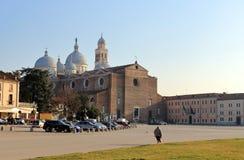 Abbotskloster av Santa Giustina ?r en Benedictineabbotskloster i mitten av staden av Padua arkivbilder