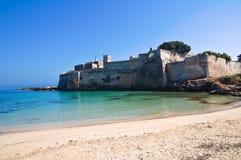 Abbotskloster av St. Stefano. Monopoli. Puglia. Italien. Royaltyfria Foton