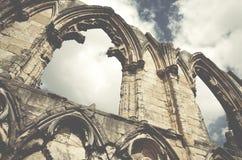Abbotskloster för St Marys fördärvar, sikten av den gamla väggen i York, England, eniga Ki Arkivfoton