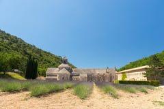 Abbotskloster i franska Senanque Arkivbilder