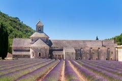 Abbotskloster i franska Senanque Arkivfoto