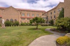 Abbotskloster på Mt Angel Oregon Royaltyfria Foton