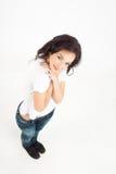 Abbracci dalla giovane signora del brunette Fotografie Stock Libere da Diritti