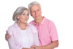 Abbraccio anziano felice delle coppie Immagini Stock